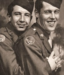 Incredible: gay love during the war (no porn)