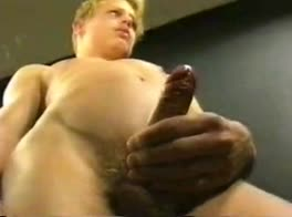 Smooth Blond Keeps Cumming