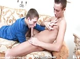 Moaning Twink Gets Fuked at Both Ends