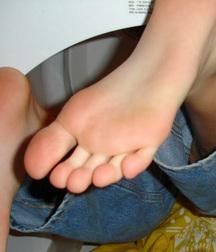 feet 24