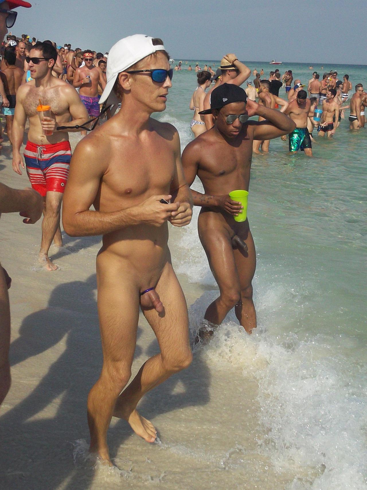 Big brother australia nude photo scandal