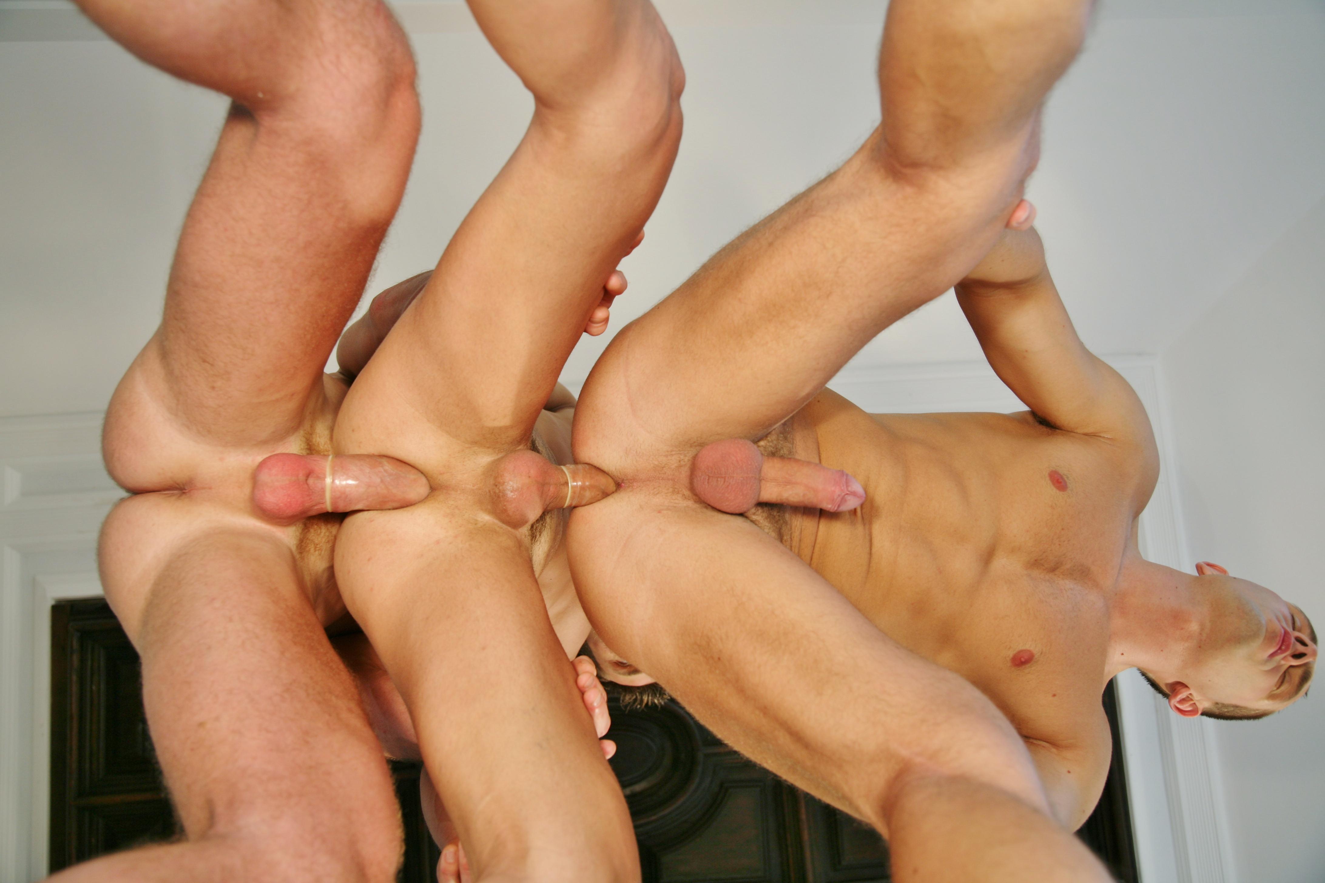 Мужики анал секс — img 12