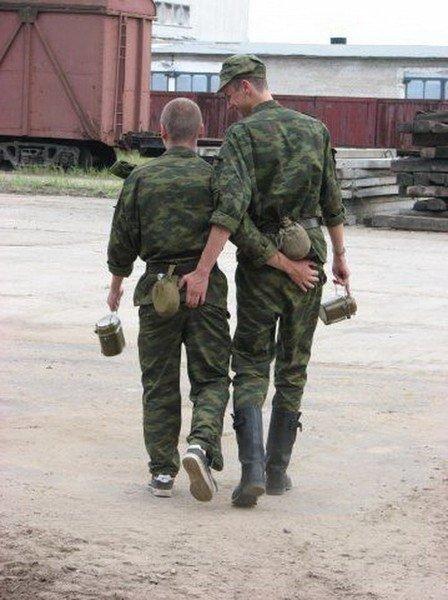 Фото военных парней геев