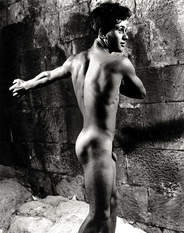 sicilian-men-naked-trish-stratus-nude-naked