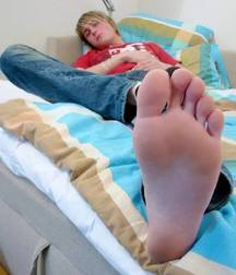 Toes 2 suck on