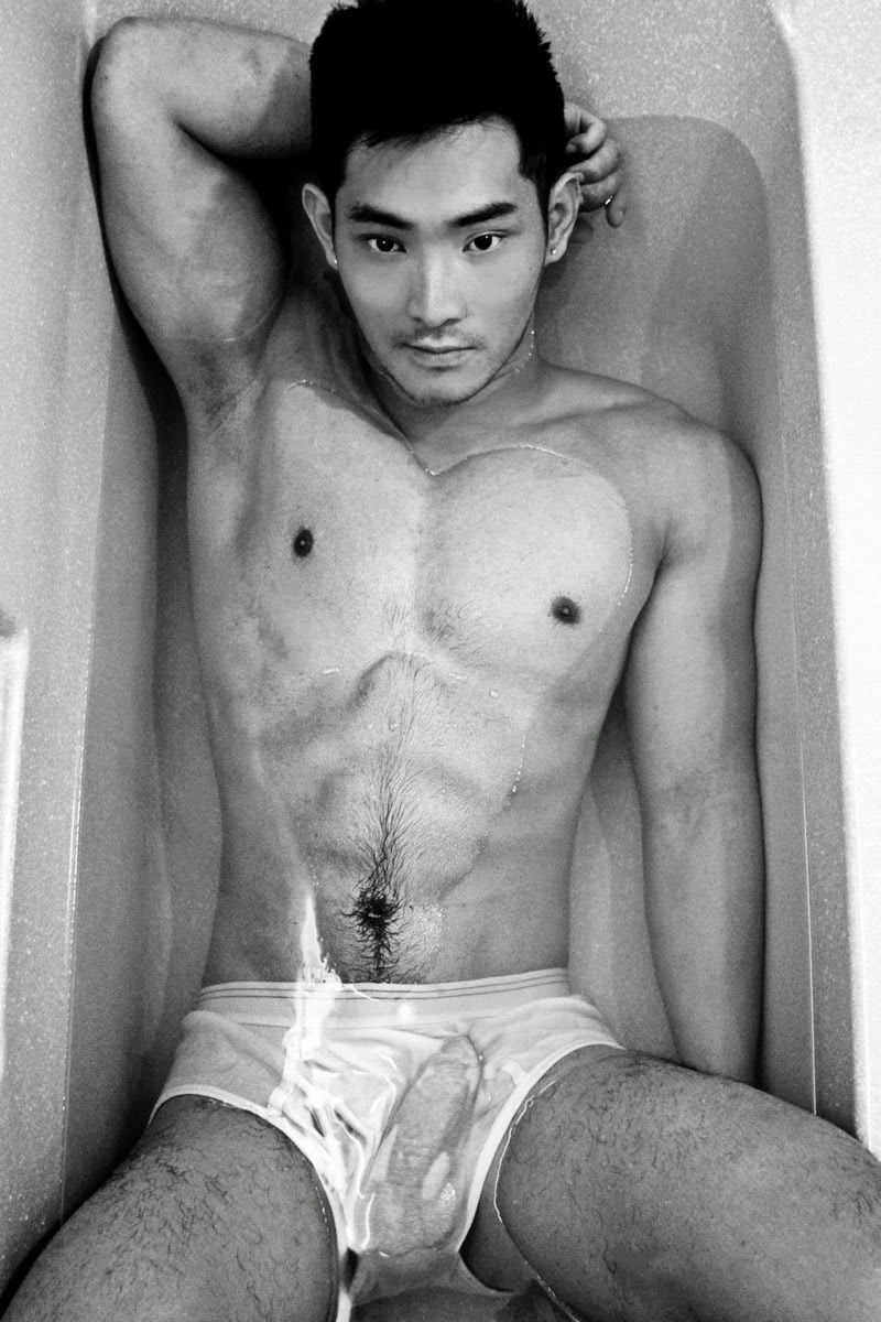 Naked pinoy hunks — pic 1