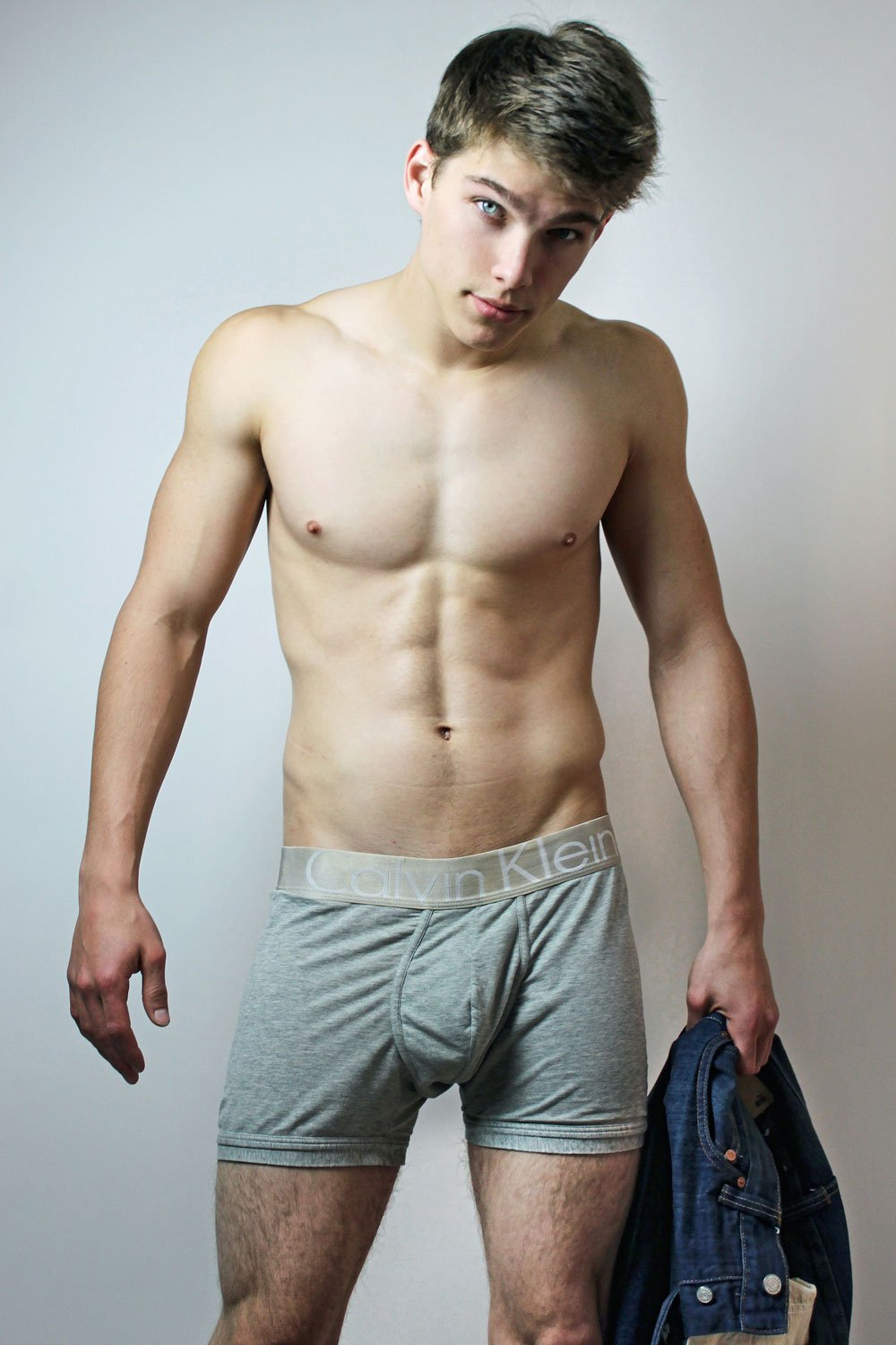beautiful-sweet-guy-nude