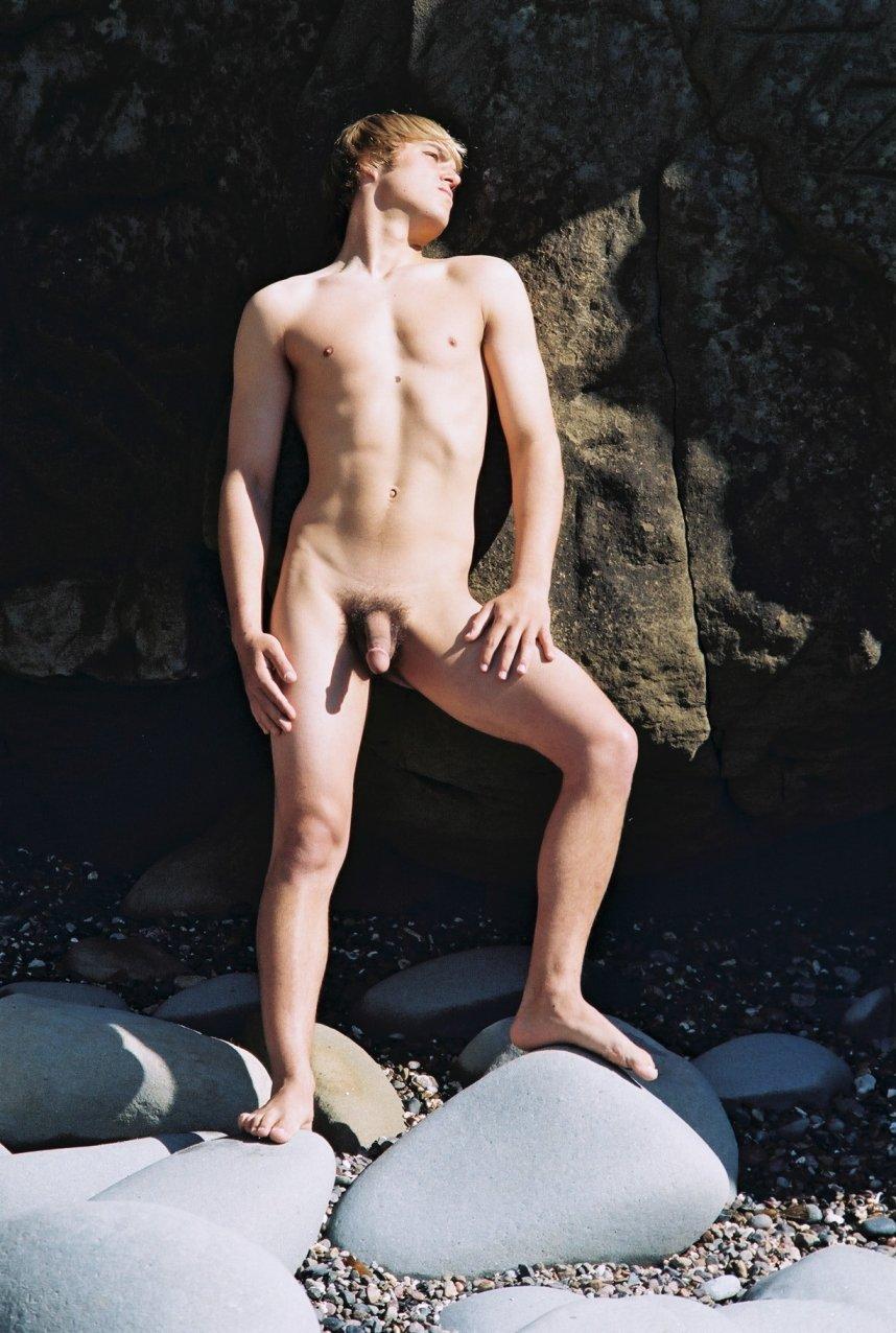 Jesse mccartney nude fakes