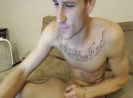 hot tats guy shooting a nice webcam porn load