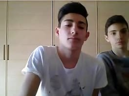 young couple bisexual Italians cam show