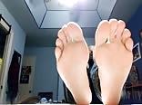 19 yo boy feet