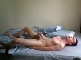 Intense wank on bed