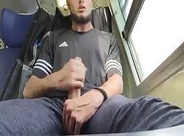 wank in a train