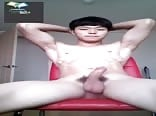 Muscular Asian Twink wanks